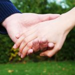 """""""Laat maar"""" is het recept voor emotionele verwijdering. Op de korte termijn handhaaf je de vrede en de gezelligheid, maar op de lange termijn gaat het"""
