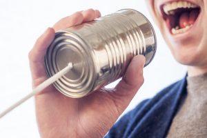 Uitleggen om begrip te kweken en geestelijke pijn op te lossen is helaas niet de 1e ingang om negatieve communicatiecirkels om te buigen naar liefdevolle verbondenheid.